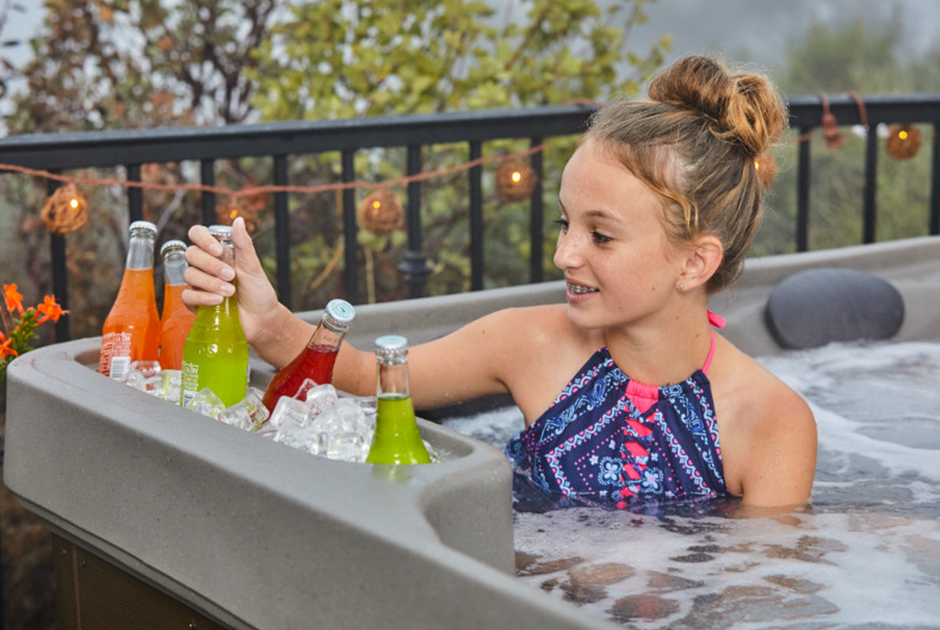 Molded-in ice bucket makes it easy to keep drinks cold for long soaks on hot summer days. | HotSpring Spas