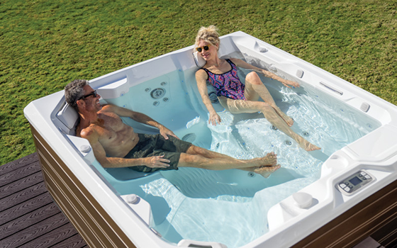 hot spring spas hot tub hot spa 560x350